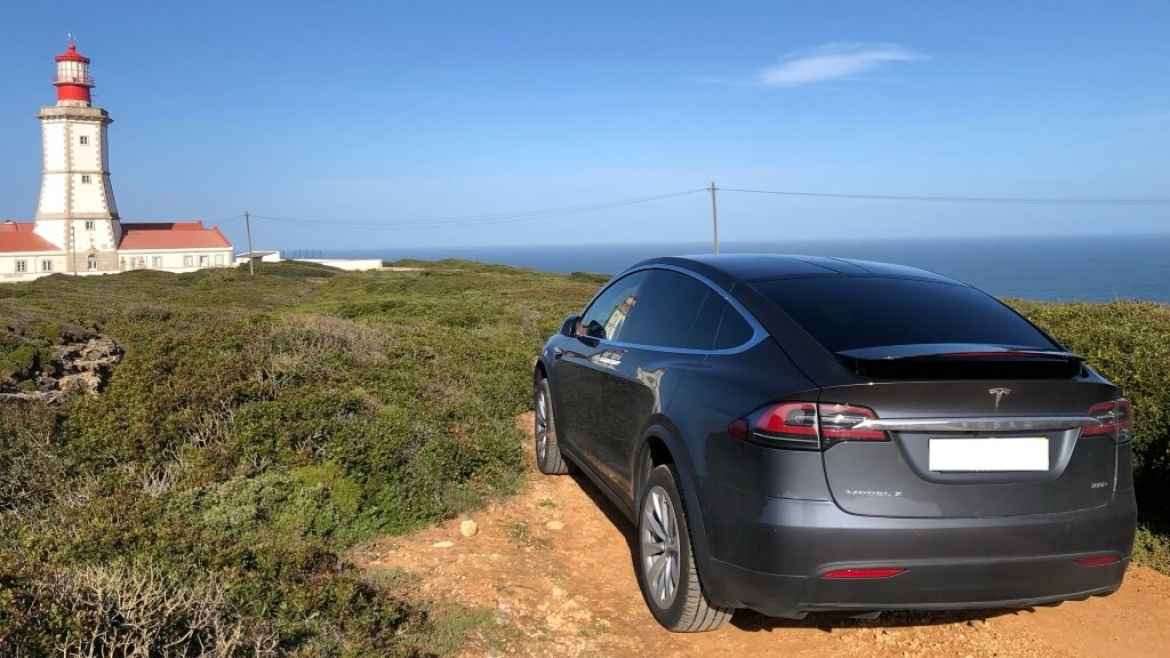 Tesla Occidental Private Tour